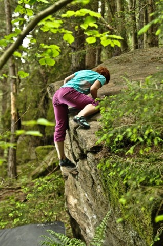 Frauen und bouldern